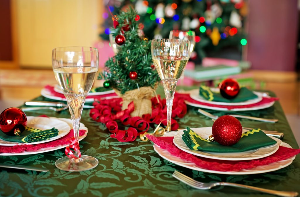 Christmas time plate arrangement